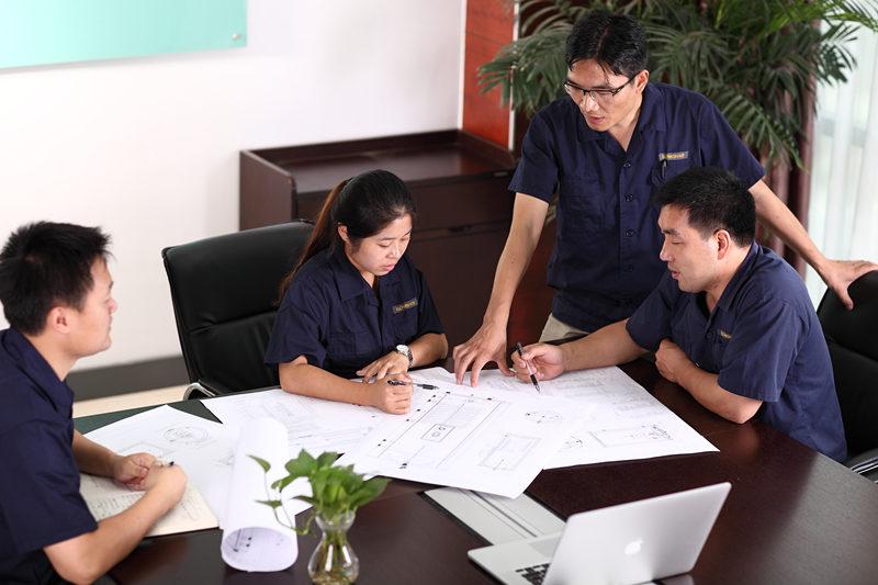 મફત સિસ્ટમ ડિઝાઇન અને ક્વોટ ફ્રી ડીઝાઇન અને ક્વોટ સેવાઓ અમારી ગોમોન ટેક ટીમ દ્વારા પ્રદાન કરવામાં આવે છે. અમે હંમેશાં અહીં સહાય માટે અને સલાહની જરૂર હોય ત્યાં જ અહીં આવીએ, ફક્ત અમને કૉલ અથવા ઇમેઇલ આપો, જેથી અમે પ્રારંભ કરી શકીએ. અમારી ગોમન ટેક ટીમ ખાસ કરીને તમારા ઘર માટે ગરમ પાણી પ્રણાલી બનાવશે. વૈકલ્પિક હેલ્થ વોટર સોલ્યુશન્સની ભલામણ કરવાનો અર્થ એ થાય કે તમારા ઉદ્દેશ્યો પ્રાપ્ત કરવા માટે શ્રેષ્ઠ સિસ્ટમ ઉકેલ પર તમને સલાહ આપવાથી અમને ખુશી થાય છે.